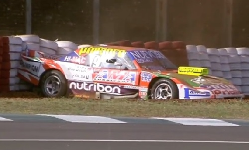 Turismo Carretera - El puntero Castellano se despistó en la clasificación del viernes, donde el uruguayo Lambiris fue el mas rápido.