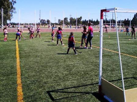 Hockey Inferiores - Sarmiento y Peñarol en el Encuentro de la Amistad bahiense