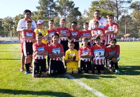 """Los """"Peques"""" de Unión ya juegan el Mundialito en Monte Hermoso."""