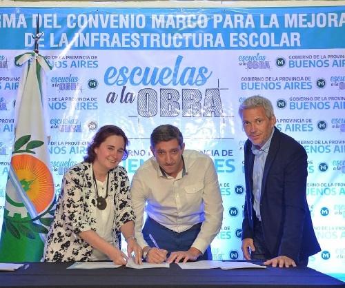 El Intendente firrmó con el gobierno bonaerense el programa para mejorar infraestructuras escolares