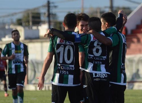 Federal B - Villa Mitre con Marcos Litre dejó en el camino al Liniers de Facundo Lagrimal.