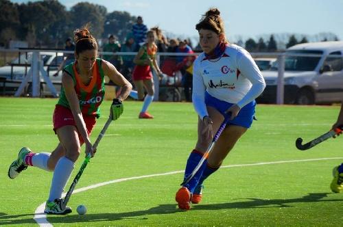Hockey Femenino - Goleada del Cef 83 ante el Hockey de Carhué.