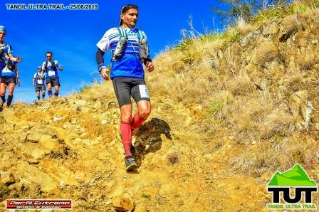 Atletismo - Fernando Anguiano culminó 2° en su categoría en los 50 k de Tandil.