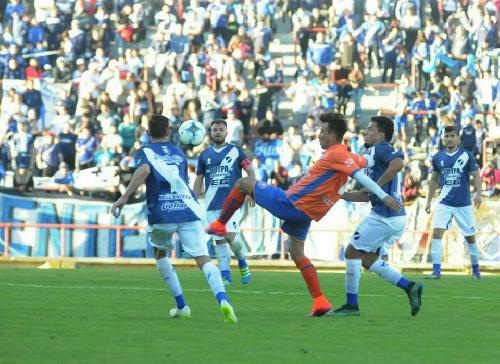 Federal A - Alvarado con Marcos Litre empató en Roca pero perdió la punta de la zona.