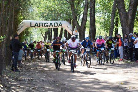 Mountain Bike - Ciclistas pigüenses corrieron en Coronel Suárez.