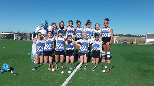Hockey Femenino - Club Sarmiento y CAI Puán disputan el provincial sub 14 en Mar del Plata.