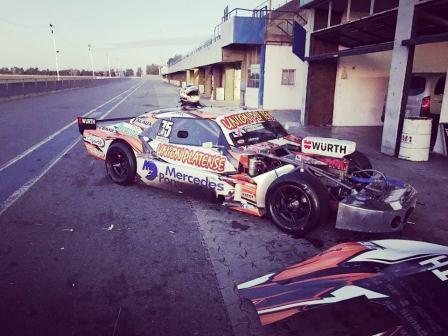 TC - Sergio Alaux probó en el autódromo de La Plata con vistas a Rosario.