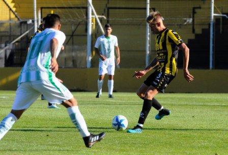 Federal A - Matías Mayer en Olimpo debutó con una victoria ante Desamparados.