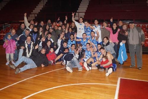 Basquet Chivilcoy - Rácing bicampeón con 17 puntos de Erbel Di Pietro - Batió en la final a Deportivo Colón.