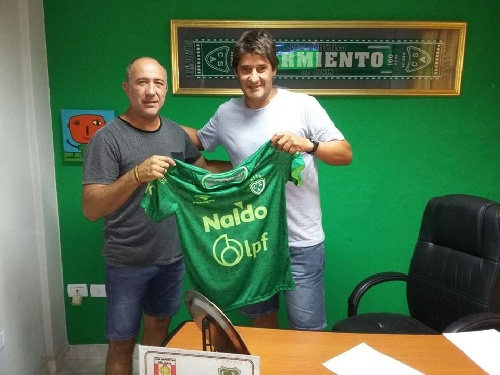 Tete Quiroz es el nuevo técnico de Sarmiento de Junín - El panorama de los clubes de primera.