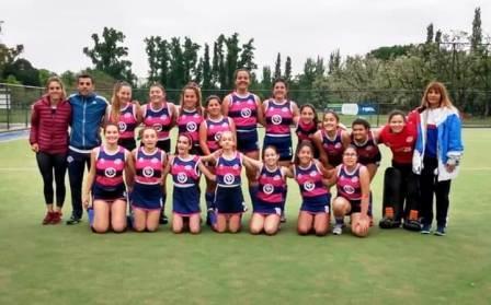 Hockey Femenino - Cef 83 Damas Sub 14 venció a Alumni y clasifica para la final.