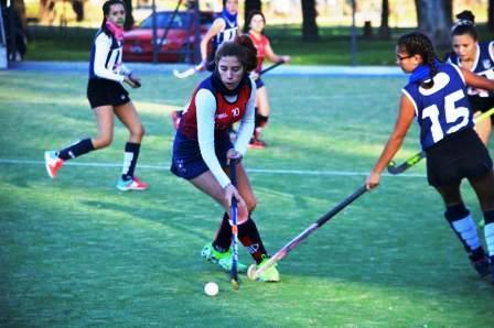 Hockey Femenino - Se juega el clásico Sarmiento - Peñarol en 1ra y 6ta.