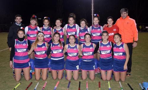 Hockey Femenino - Victorias del Cef 83 y del Club de Pelota para seguir en la punta de la 1ra división.