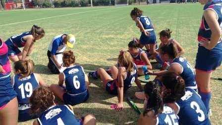 Hockey Femenino - Cef 83 venció a Alumni en 7ma y se mantiene como escolta.