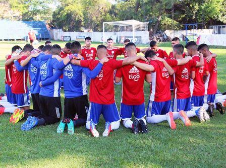 La Sub 15 paraguaya con Gabriel Mercado ultima detalles para el sudamericano.
