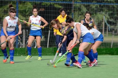 Hockey Femenino - Goleada del Cef 83 ante Carhué en la tarde de hoy por la categoría mayores.