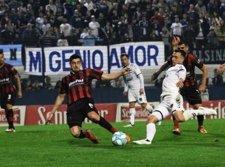1ra Nacional - Con un gol de Martín Prost, Quilmes venció a Defensores.