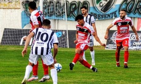 Federal A - Villa Mitre en Bahía Blanca le sacó el invicto a Cipolletti.