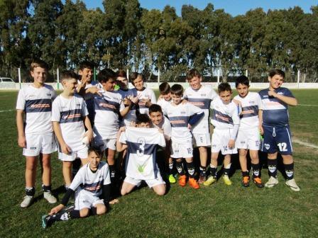 LRF - Inferiores - Deportivo Argentino en 8va goleó y sigue en lo mas alto.