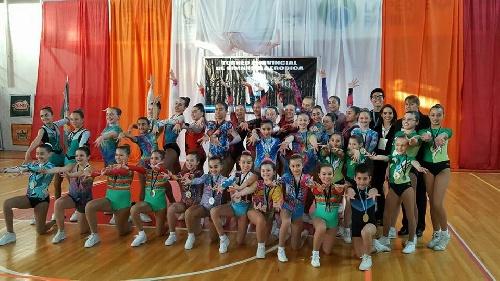 Gimnastas de Le Corps Gym compitieron en el nacional de aeróbica en Mendoza