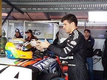Turismo Carretera - Matías Rossi se quedó con el mejor tiempo en Concordia.