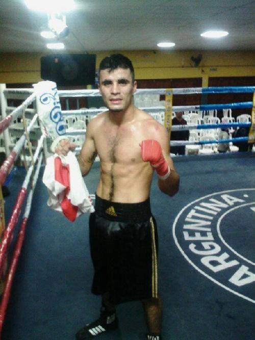 Box Semiprofesional - Rodrigo Pinino Areco cayó en Olavarría ante Franco Benito.