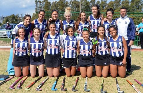 Hockey Femenino - Sarmiento y el Cef 83 vencieron en 6ta y son finalistas.