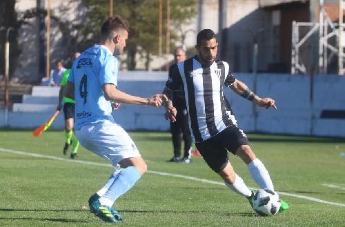 Nacional B - Gimnasia de Mendoza venció a Temperley con Leo Gonzalez.