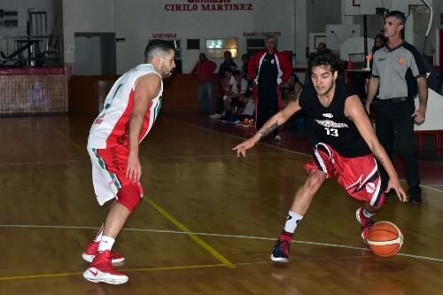 Basquet Valle Inferior - El equipo de Fiorido, San Martín derrotó al invicto Deportivo Patagones.