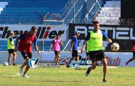 Nacional B - Marcos Litre entrena con Almagro - El viernes visita a Instituto.