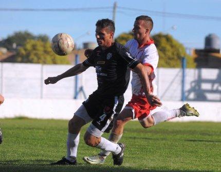 Liga del Sur - Facundo Lagrimal ingresó en el 2° tiempo en la clasificación de Liniers.