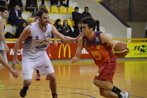 Basquet Bahiense - Bahiense del Norte con Silva derrotó al Estudiantes de Cleppe. Nueve puntos para ambos pigüenses.