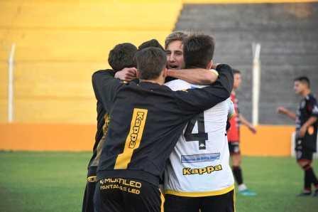 Liga del Sur - Olimpo con Cabral y Otondo festejó ante Sporting y chau invicto..