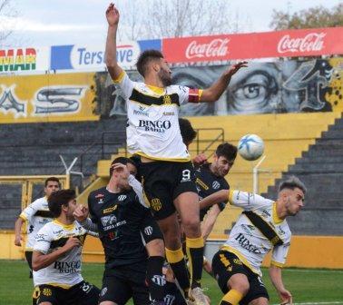 Liga del Sur - Olimpo con Otondo venció a Liniers en el partido de ida.