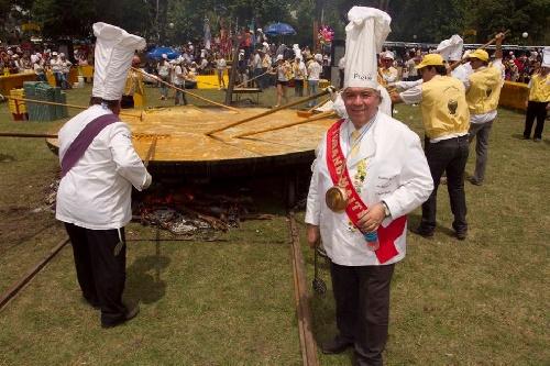 Se viene la Omelette Gigante tamaño record  en el mundo para el 135º aniversario de Pigüé