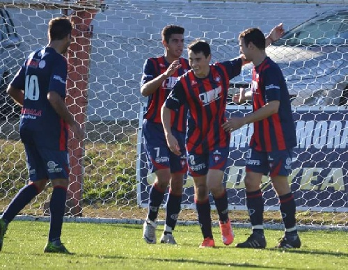 LRF - Peñarol festejó en Tornquist y Sarmiento fue lapidario con el Santo carhuense.