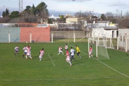 LRF - San Martín de Carhué derrotó a Peñarol y se queda con la 3° colocación de la Zona B - Mañana se completa la fecha.