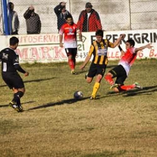 Liga del Sur - Dio comienzo el Clausura, con triunfos de Liniers, Olimpo y Huracán con pigüenses en cancha. Pazos anotó un gol para Olimpo.