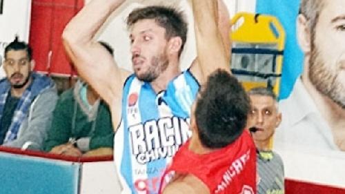 Liga Argentina - Erbel De Pietro goleador del cotejo en el que Rácing derrotó a Parque Sur.