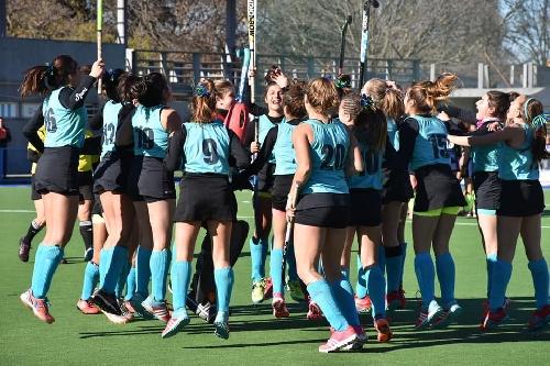 Las chicas de la Federación Sub 14 de Hockey vencieron en el partido final.