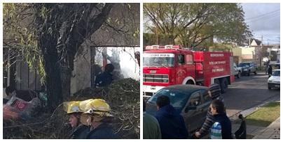 A pesar del esfuerzo de los bomberos el fuego consumió una casa y las pertenecias de la familia que la habitaba