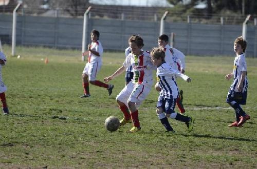 LRF - Dieron comienzo las inferiores del fútbol liguista. Amplias goleadas en el inicio.