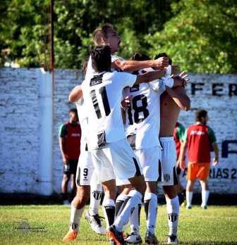 Fútbol Regional - Liniers clasificó para la final de la Bonaerense-Pampeana.
