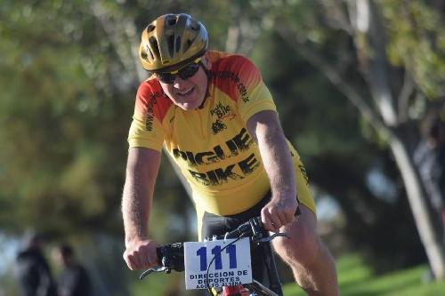 Ciclismo - Bahía Blanca - Nestor Ziegemann finalizó 5° en Master.
