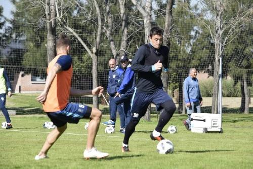 Nacional B - Leandro González concentrado para el partido ante Defensores de Belgrano.