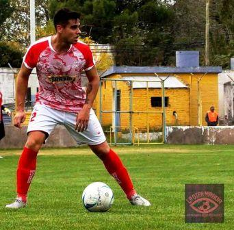 Liga del Sur - Eric Verón estuvo presente en Huracán frente a Villa Mitre.