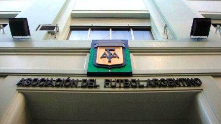 La Afa y el Consejo Federal buscan reactivar los entrenamientos.