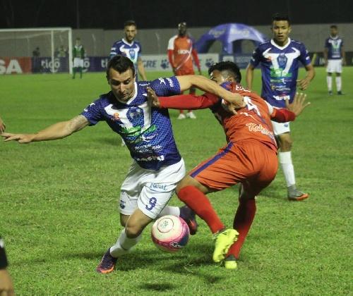 Futbol Boliviano - Sport Boys con Martín Prost cayó ante Royal Pari.