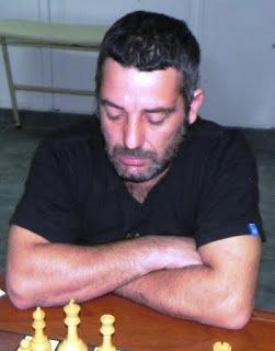 Ajedrez - Emanuel Mouilleron se adjudicó el torneo online del fin de semana.