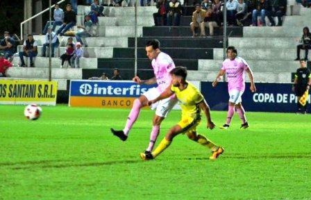 Fútbol Paraguayo - Marcos Litre titular en Santaní enfrentando a Capiatá.